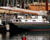 kayaker-and-tall-ships-in-Camden-Harbor_P1080437