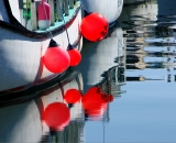 boats-and-red-bouys-at-Portland-waterfront-docks_DSC03814