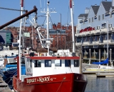 lobster-boats-and-condos-at-Portland-waterfront_DSC03825