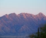 early-morning-light-hits-mountain-side_DSC06512