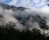 clouds swirl around mountains_DSC07162